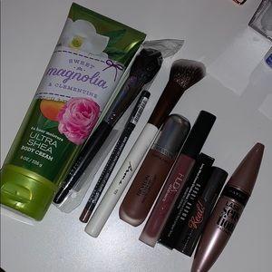 Makeup bundle🥰♥️